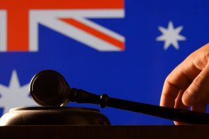 Australia scraps patent
